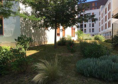 Réalisation d'un jardin d'une résidence et entretien annuel à Lyon-Gerland 2